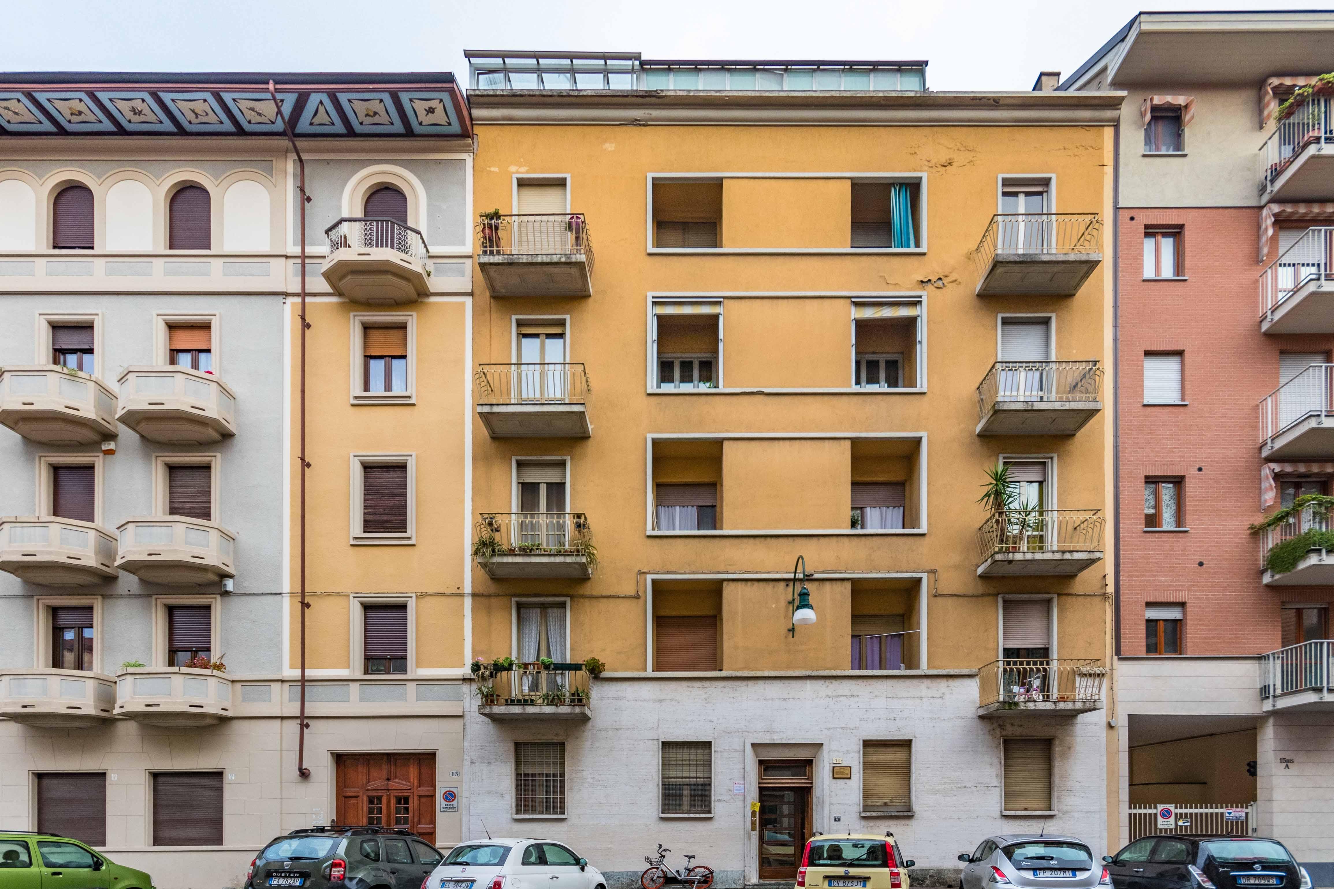 Bilocale via Perosa 15, Torino