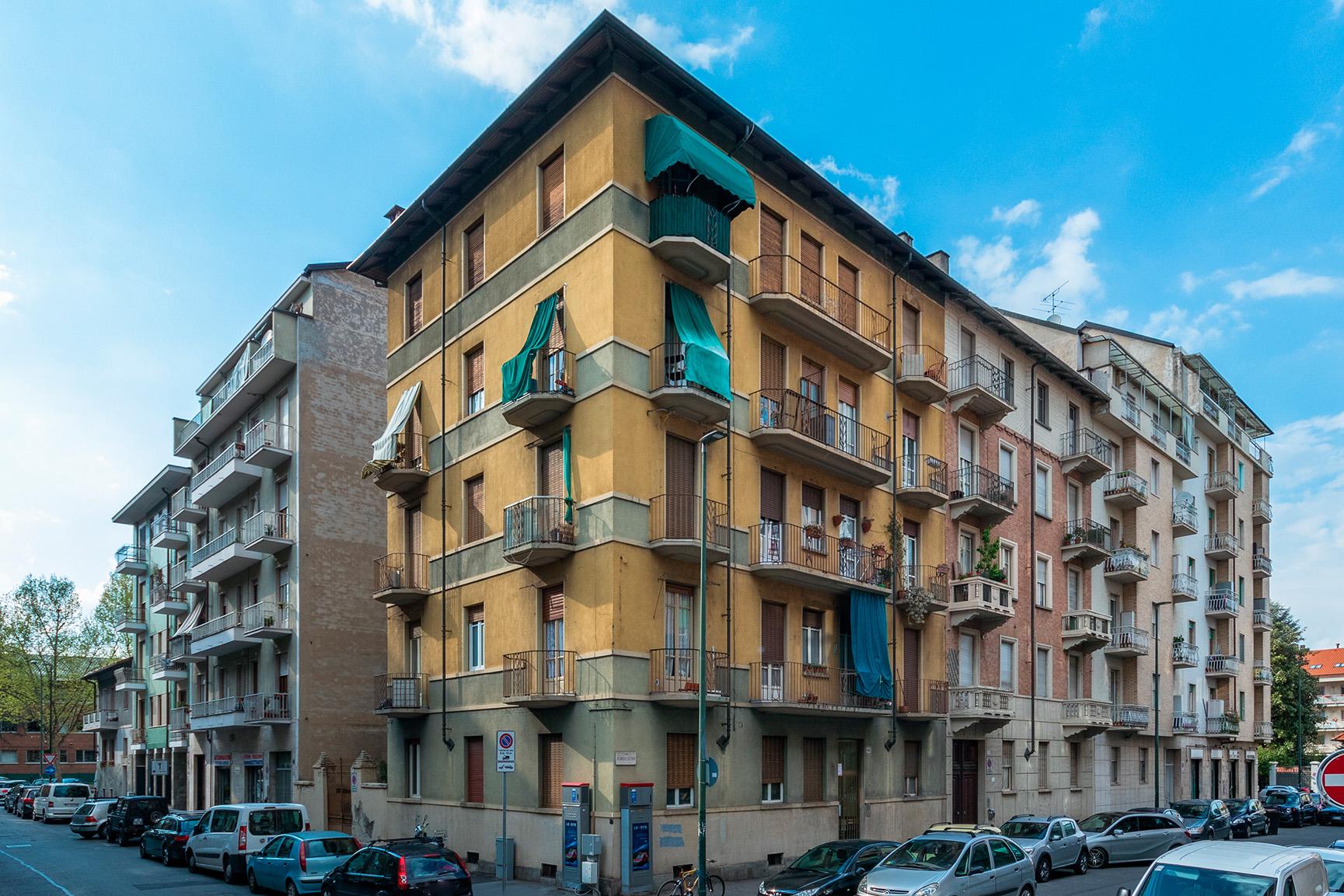 Bilocale via Borgosesia 105, Torino