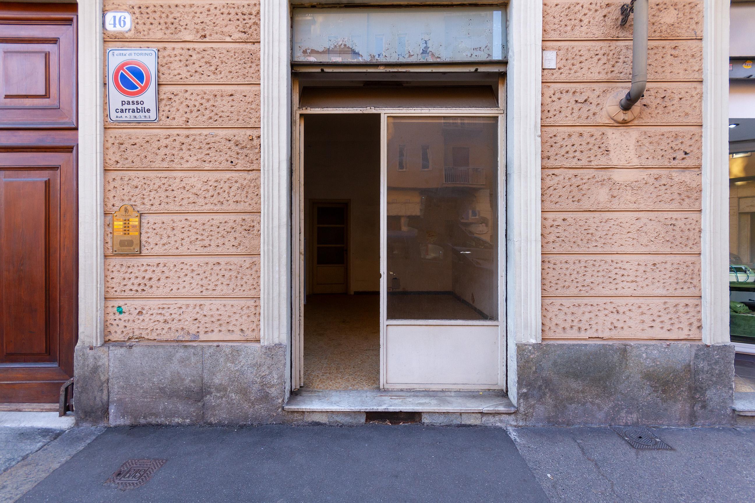 Negozio in Affitto Via Rivalta 46 – Torino